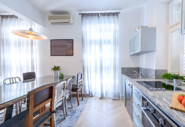 16 kitchen dining room