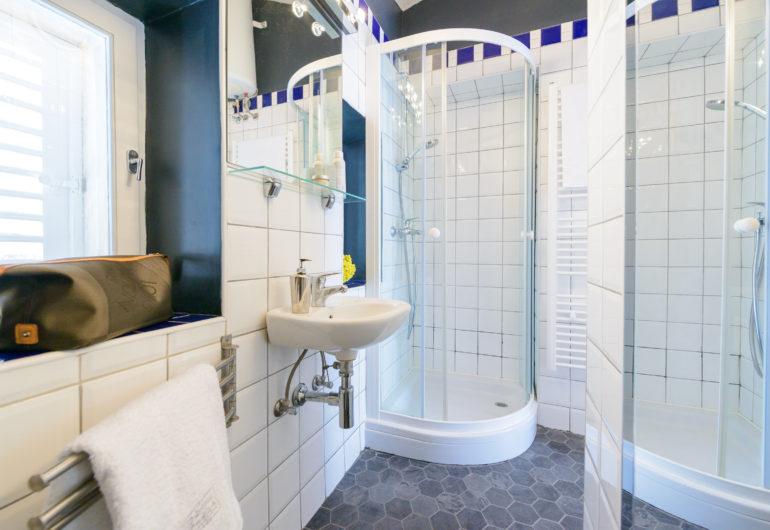 21 bathroom